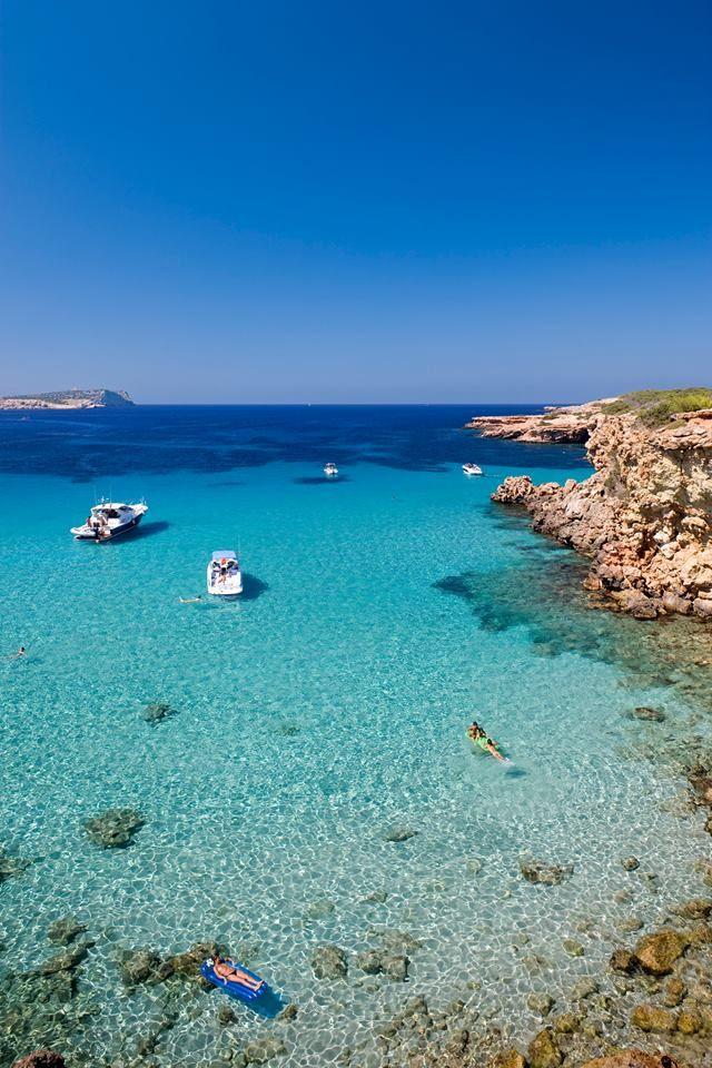 Ibiza kristallklares Wasser und romantische Buchten