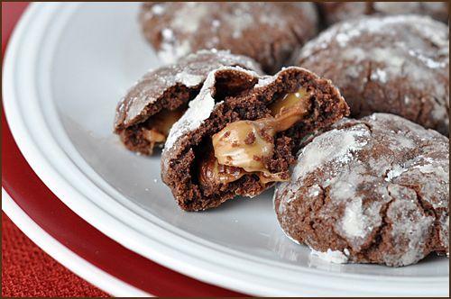 Rolo CookiesCake Cookies, Chocolates Cake, Yellow Cake, Chocolates Cookies, Filling Chocolates, Cookies Exchange, Cake Mixed Cookies, Chocolate Cakes, Rolo Cookies