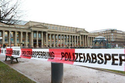 Am Freitagmittag meldet ein Anrufer einen verdächtigen Gegenstand in Stuttgart-Mitte. Die Polizei sperrte daraufhin den Schlossplatz ab – die Stadtbahn-Linien U5, U6, U7, U12, U15 waren betroffen.