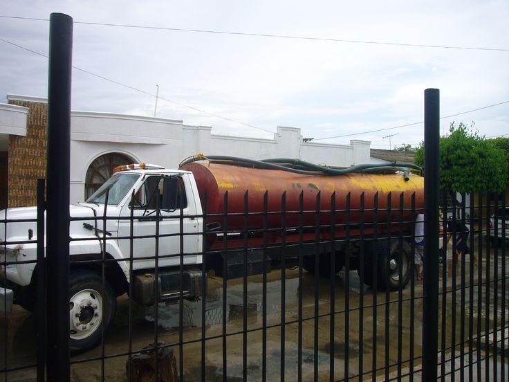 Otra forma de surtirnos de Agua con carrotanque