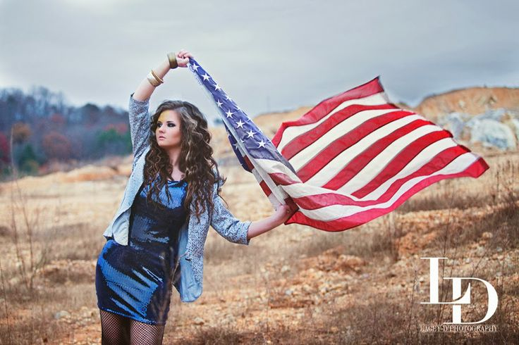 Lacey D Photography - Senior Portrait Photographer - Chattanooga, TN - Stylized Session - Kesha Themed - American Flag