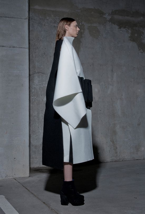 Structured Fashion with sculptural folds using black & white fabrics to create a bold contrast // Peter Movrin