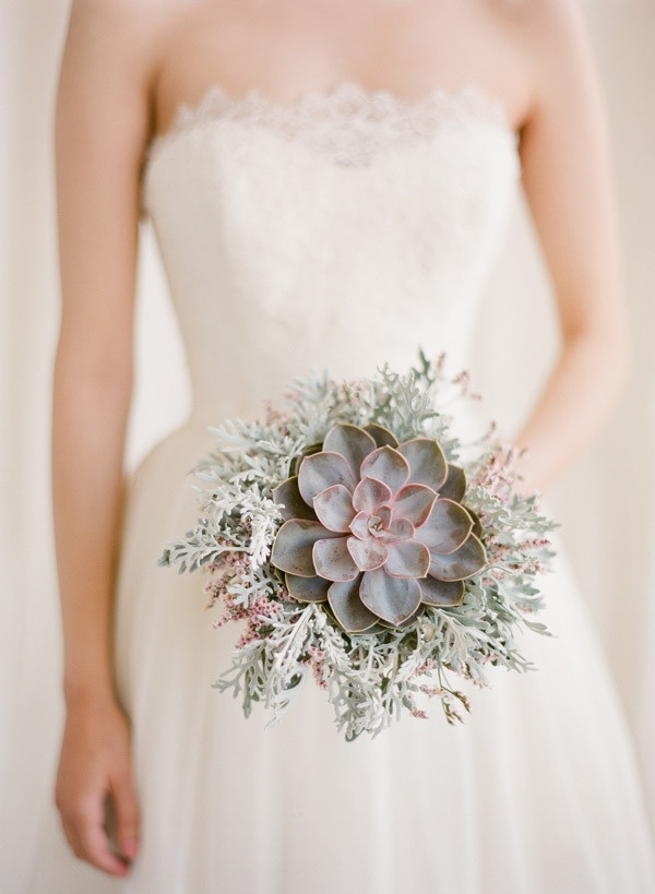 best 25 simple wedding bouquets ideas on pinterest babies breath bouquet simple bridesmaid. Black Bedroom Furniture Sets. Home Design Ideas