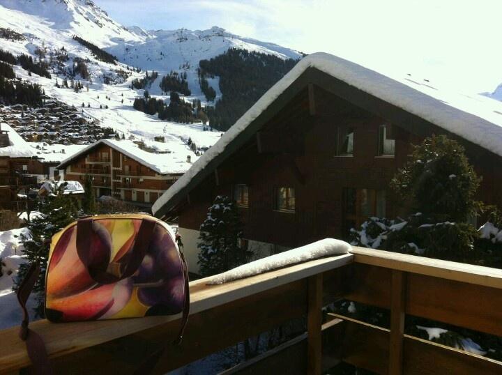"Spotted in Switzerland: artbag ""Gold""! (check www.florifique.com for more fun #floral Artcessories & Artworks!)"