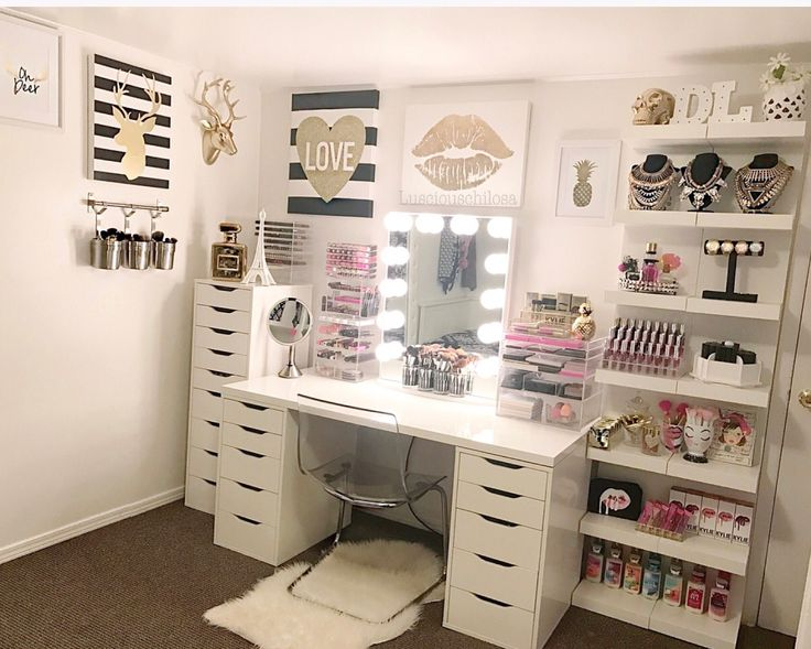 My beauty room! Follow me on IG for ideas   Lusciouschilosa