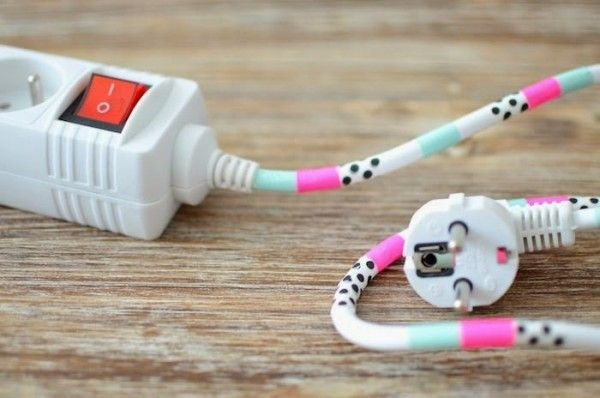 Masking Tape pour relooker les cables  http://www.homelisty.com/masking-tape/