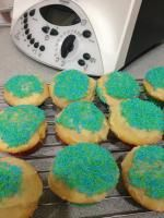 Easy Peasy Cupcakes - double mix, reduce sugar, watch oven temp.