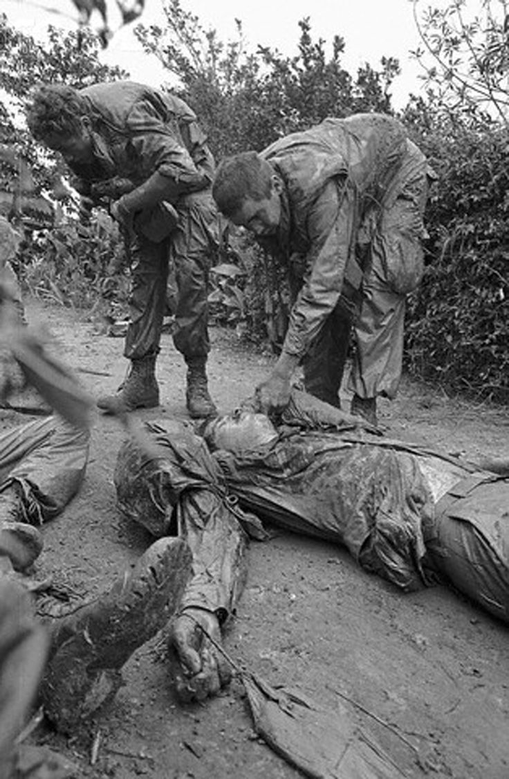 media during the vietnam war The vietnam war was the prolonged struggle between nationalist forces attempting to unify the country of vietnam under a communist government and the united states (with the aid of the south vietnamese) attempting to prevent the spread of communism.
