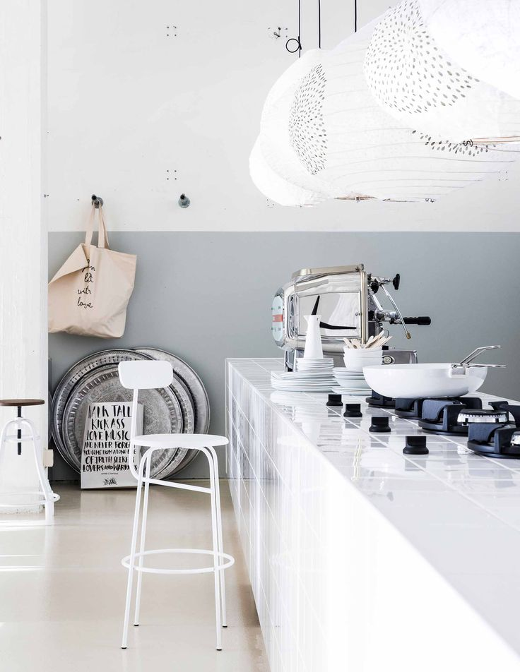 Keuken | kitchen vtwonen 04-2017 | Fotografie Sjoerd Eickmans | Styling Marianne Luning