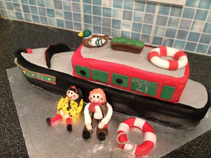 How To Make A Barge Cake