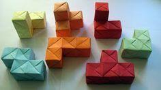 Hacer tetris, 2D o 3D Hacer letras. Hacer cubos y jugar con ellos. También con otras figuras geométricas para cubos tipo rol.