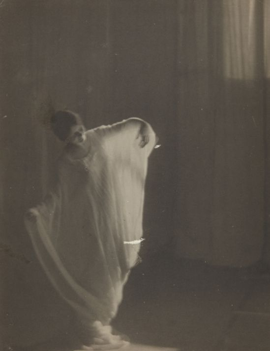 Clarence Hudson White. Dancers from Barnard College Greek Games  1911