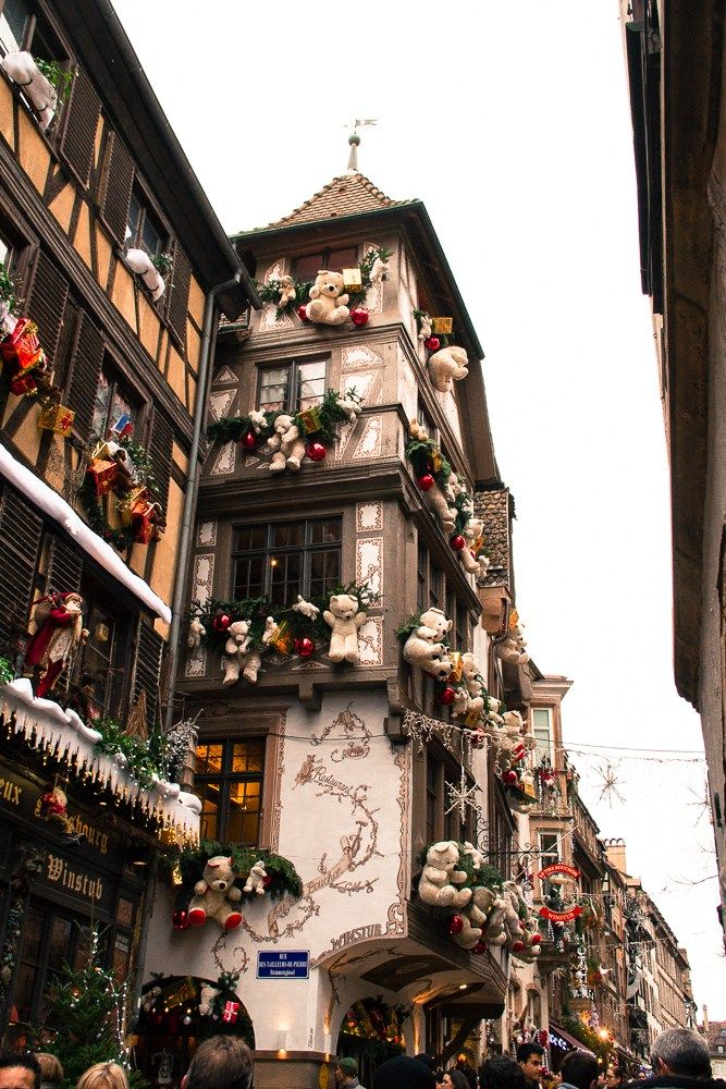 Marché de Noël de Strasbourg. Alsace, France.  Find Super Cheap International Flights to France ✈✈✈ https://thedecisionmoment.com/cheap-flights-to-europe-france/