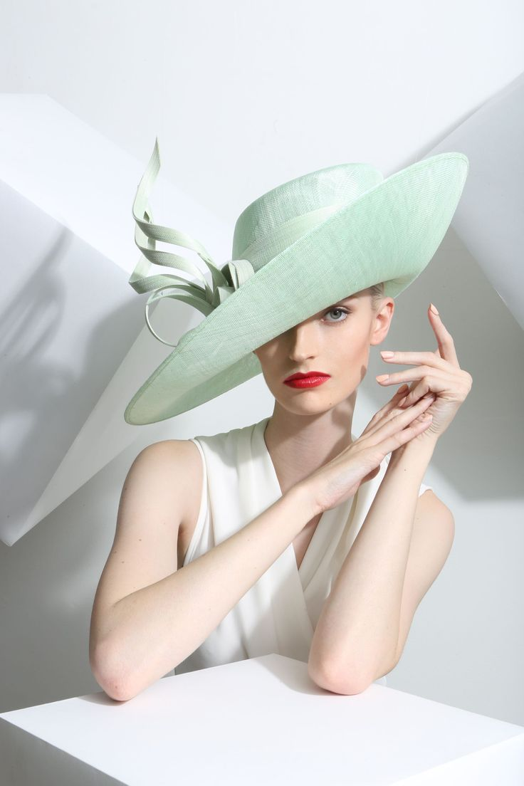 Philip Treacy Spring-Summer 2015 OC-898 (=)