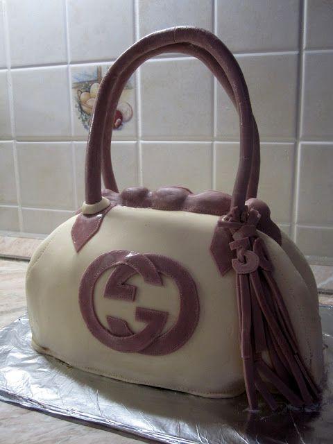 Nassoló Naplopó: Gucci táska torta