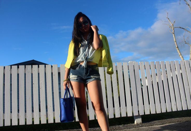 Denim+Yellow Jacket+Blue Celine Luggage Bag #style #fashionblog #fblogger #streetstyle #ootd #outfit #summer #beauty #beautiful #fashiontrends #trends