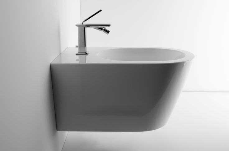 IL, REP DESIGN STUDIO, PHOTO ANTONIO RASULO 2013 #Valdama #bathroom #ceramics #washbasin #bidet #style #project #interiordesign