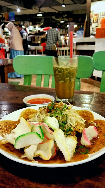 thai street food gandaria city