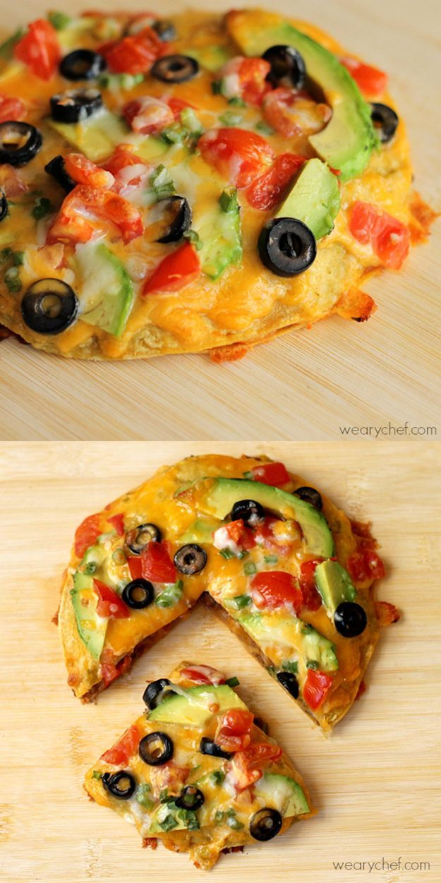 Loaded Mexican Pizza   Fun Cinco De Mayo Food For Parties by DIY Ready at http://diyready.com/23-cinco-de-mayo-recipes-to-get-the-party-started/