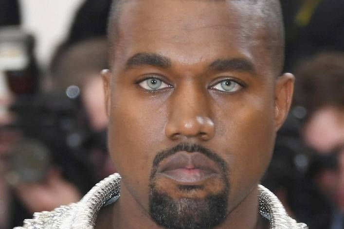 Is Kanye West Trolling Us Just To Generate Interest For His New Album The Tylt Kanye West Albums Kanye West Celebrity Gossip