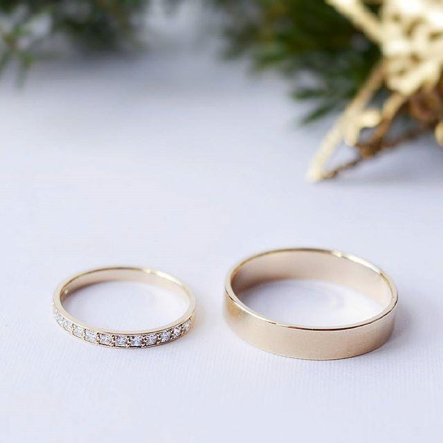 Интересная такая тенденция. Так редко пары выбирают рыжее золото. Все только белое золото и серебро. Интересно узнать, отчего так?  #вашличныйювелир #токаревстанислав #unisonjewellery_обручальные