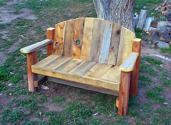 17 best images about what to do with barn wood on for Landscape timber bench
