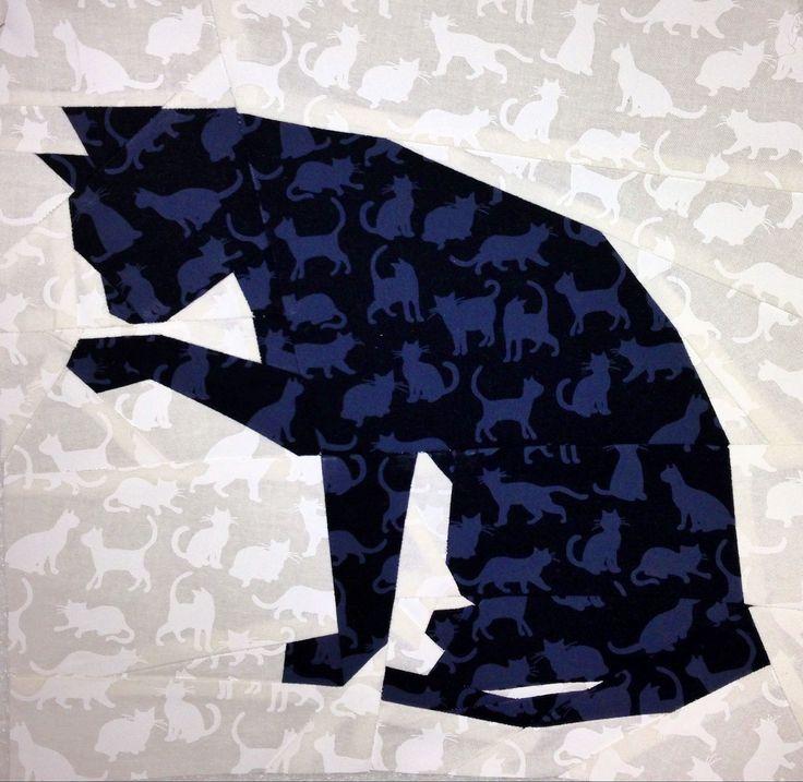 "Silhouette Cat #1 10"" (25cm) paper pieced pattern quiltartdesigns.blogspot.com"