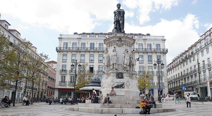 Vicinia, SA, www.passporthostel.upps.eu, Das Passport Lissabon Hostel befindet sich im Zentrum von Lissabon an einem der bedeutendsten Plätze, im Herzen von Chiado und Bairro Alto. Wenn Sie das Passport Lissabon Hostel verlassen wird es schwer sein, sich entscheiden zu können, wo man mit der Stadtbesichtigung starten möchte. Restaurants, Bars und typische Tavernen findet man entlang des Flusses.