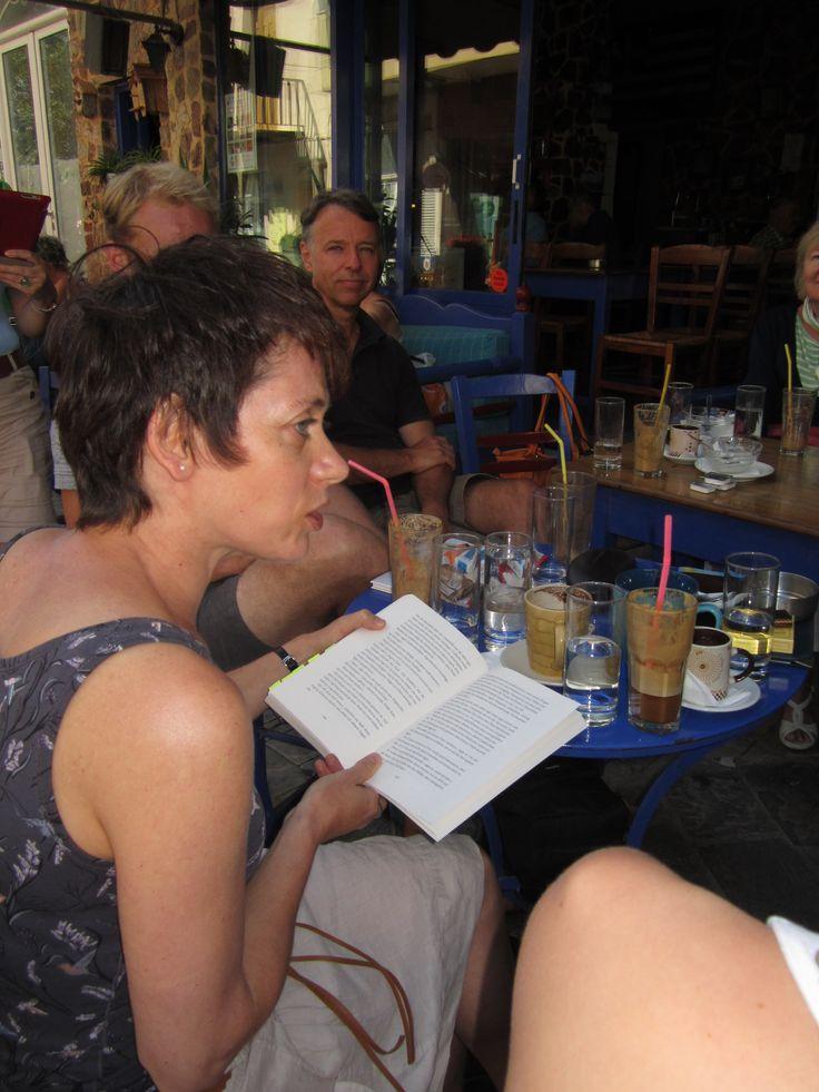 Lesen und Zuhören: lesefestivalkreta.wordpress.com