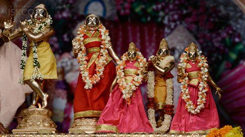 Sri Brahmotsava celebrations, Churna Abhisheka (April 20, 2017) - ISKCON Bangalore.
