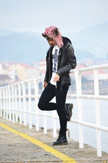 Dr. Martens Boots, H&M Bonnet, H&M Pullover, Xc Shirt, Zara Jacket, Primark Trousers