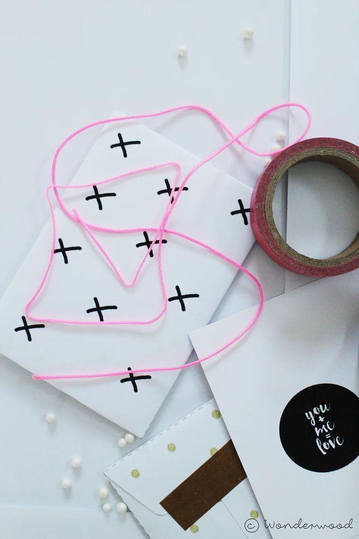 Litt kjærlighet på papir når Alle hjerters-dag er rett rundt hjørnet.  Send noen søte ord til den som står ditt hjerte nær!  Årets kort er både sukkers