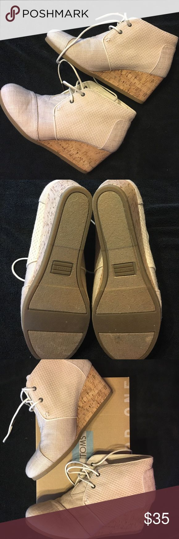 TOMS Desert Wedge Whisper Burlap Sz10 Women's TOMS Desert Wedge Whisper Burlap Textured Size 10. Worn once. Great condition. Toms Shoes Wedges