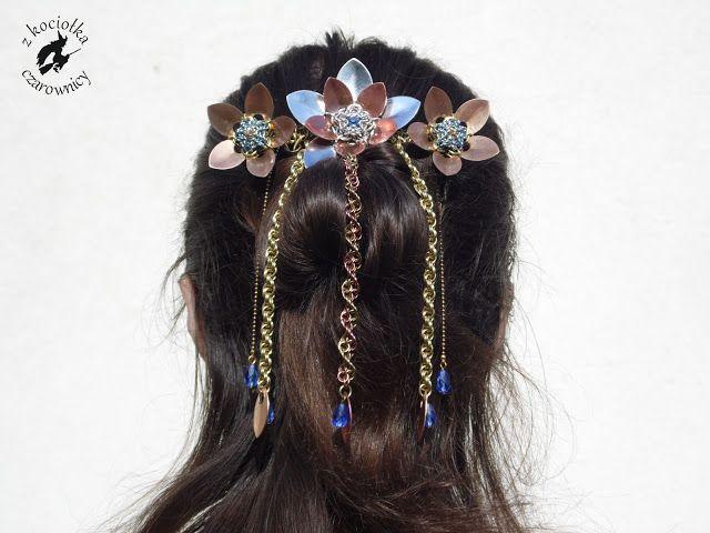 Z kociołka czarownicy: Kwiaty we włosach... - chainmaille fascinator a'la kanzashi