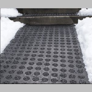 The industrial ice melting walkway mat can be used for Garden pool mats