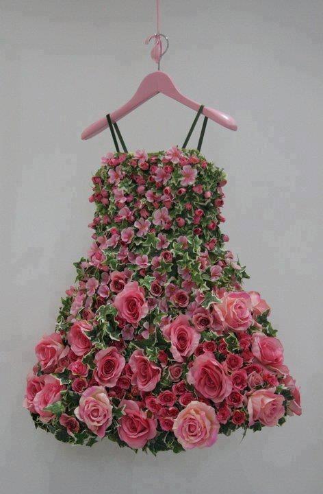 Flower girl dress of flowers.