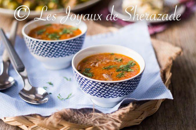 harira algérienne J'aime toutes les hariras, cette soupe algérienne onctueuse et riche en gout dont j'en ai présentée pas mal d'ailleurs comme celle de Bec