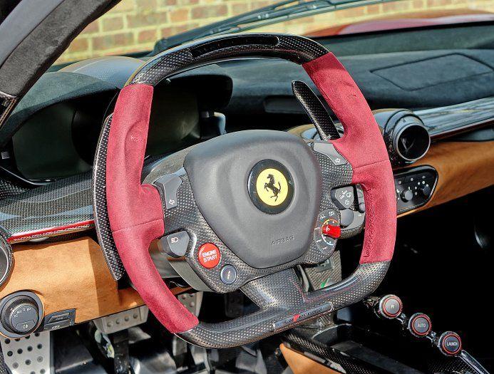 2016 (16) Ferrari LaFerrari for sale | Rosso Rubino
