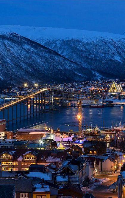 Blue hour in Tromsø, Norway by Andrea Schwyter