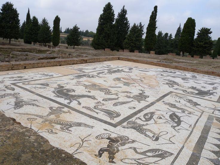 Mosaics in italica spain mosaics tiles azulejos pinterest mosaics ruins and roman - Azulejos roman ...
