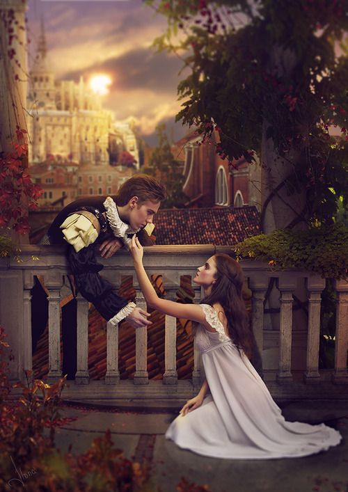 How is youth and old age shown in Shakespeare's Romeo and Juliet?