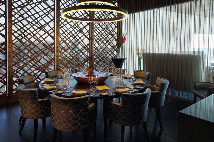 Seaduction Restaurant + Bar. Source: https://www.facebook.com/SoulSurfersParadise/photos/pb.177879132296099.-2207520000.1406628398./610311239052884/?type=3&src=https%3A%2F%2Fscontent-a-lax.xx.fbcdn.net%2Fhphotos-xpf1%2Ft1.0-9%2F1979589_610311239052884_2562867643364203317_n.jpg&size=720%2C480&fbid=610311239052884