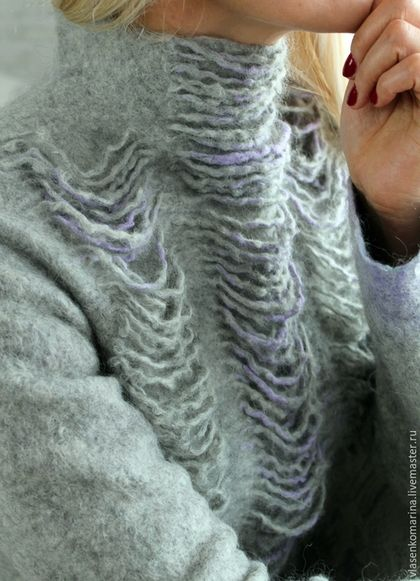 Купить или заказать Свитер валяный Снежный барс в интернет-магазине на Ярмарке Мастеров. Нежный и женственный свитер согреет в холодную погоду и поможет создать уютный и неповторимый образ. Необычный декор. Воротник-стойка застегивается на ряд мелких пуговиц.…