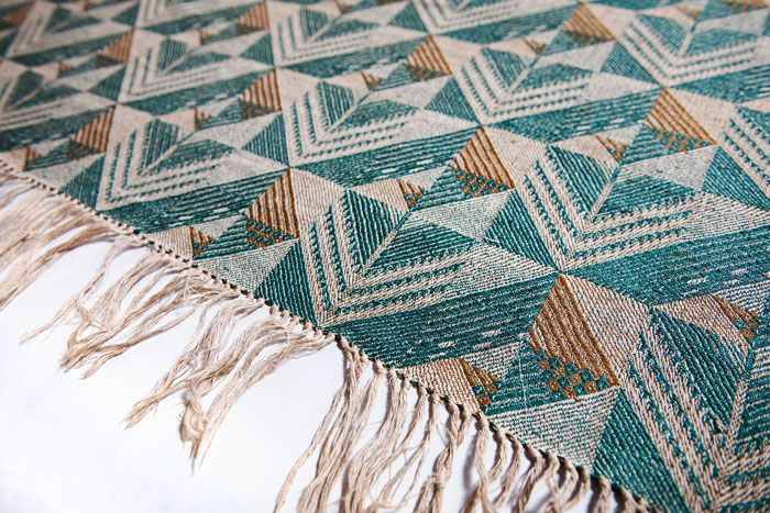 Helena Bukowska, Rhomboids (Chessboard) linen jacquard fabric, made by the Ład Artists' Cooperative, 1929, collections of the Central Textiles Museum in Łódź. Photo: Michał Korta