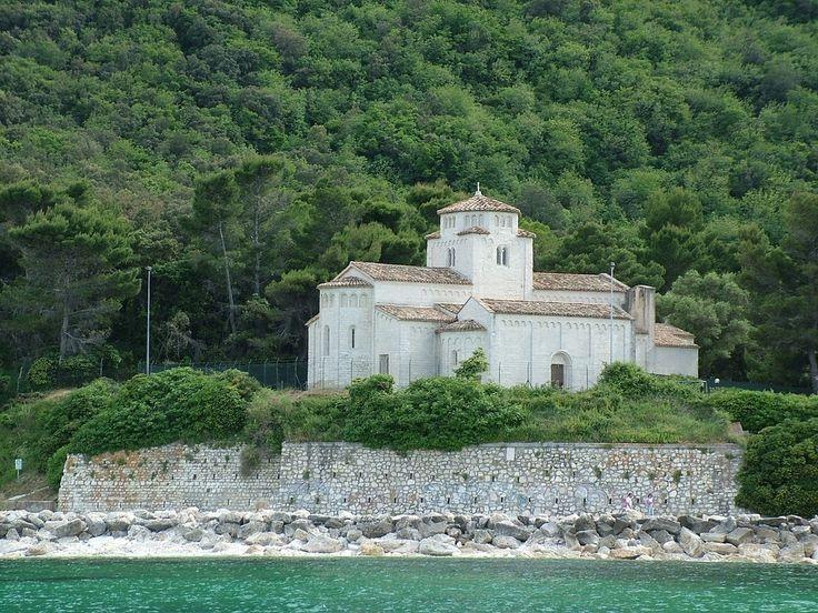 Santa Maria Church, Marche. (30 min)