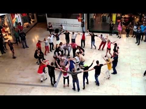 Slovensky Rueda de Casino Flashmob - BRATISLAVA - YouTube