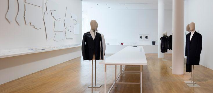 """Ausstellungsansicht """"Jil Sander. Präsens"""",   2017 im  Museum Angewandte Kunst"""