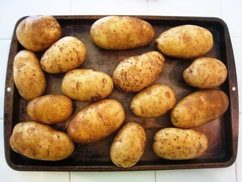 Freezing potatoes.  I never thought of doing this, interesting.  She does several different ways to do this, mashing them, twice baked, hashbrowns etc.