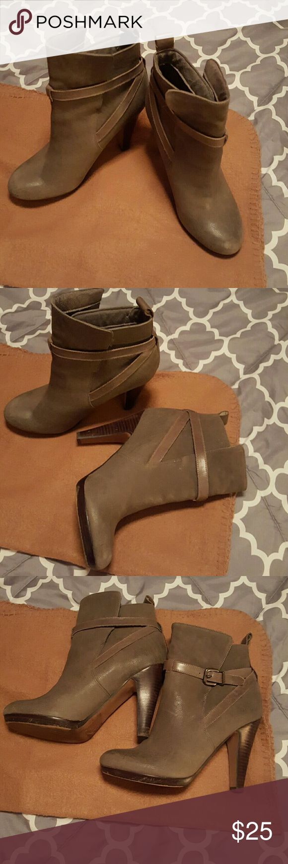 Gorgeous Aldo Boots. Perfect with any outfit! Beautiful Aldo Boots. Love them! Aldo Shoes Heeled Boots