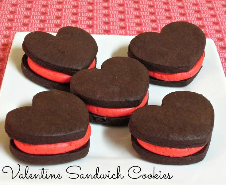 Valentine Sandwich Cookies- So pretty and tastes amazing too! Perfect for Valentine's Day!